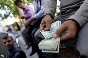 سه چالش اقتصاد ایران در سال ۹۶؛ تبعات یکسانسازی نرخ ارز در اقتصاد/احتمال رونق سفتهبازی در سال۹۶