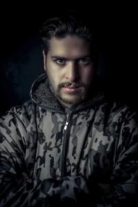 سید میثم حسینی در نقش کارگردان در سریال در جستجوی آرامش به کارگردانی سعید سلطانی
