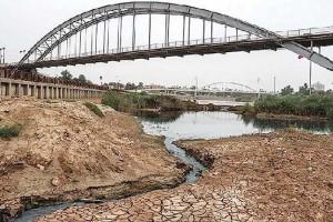 عزم راسخ استاندار اصفهان برای انتقال آب از سرچشمههای کارون